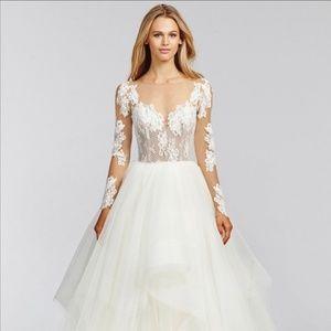 Hayley Paige Wedding Dress 😍